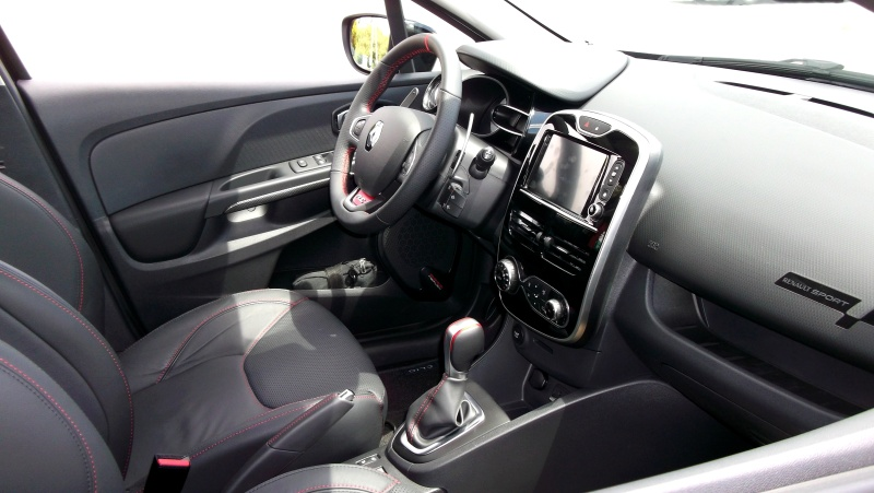 Clio RS IV Trophy noire (nouvelles photos) Dscf4420