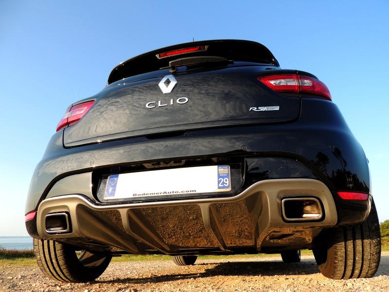 Clio RS IV Trophy noire (nouvelles photos) Dscn3417