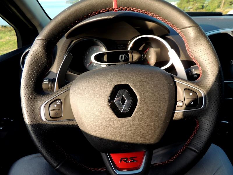 Clio RS IV Trophy noire (nouvelles photos) Dscn3424