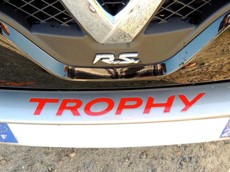 Clio RS IV Trophy noire (nouvelles photos) Dscn3425
