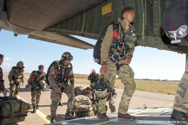 L'Armée de terre, les Forces spéciales et le GIGN sautent sur Solenzara  97258510