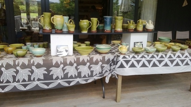 Article on the Van der Putten house: jam packed with pottery Andrew13