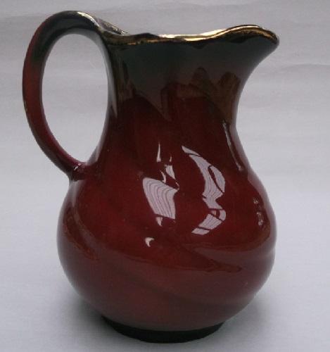 a lovely red Crown Lynn 48 vase. Dscf3012