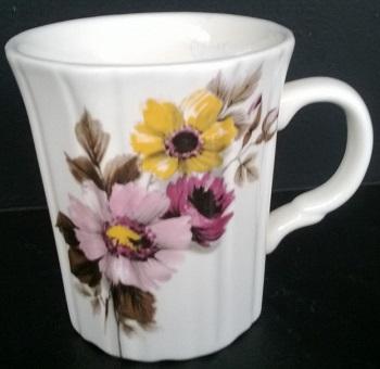 This mug is an unusual shape ..... Unusua10