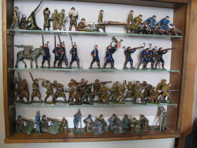 figurines , voitures , fanfares....et autres Img_0018