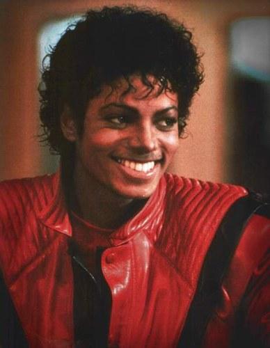 [SONDAGGIO] Qual è il Michael che vi piace di più? 128_9310