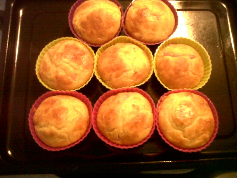 Muffins : lardons et gruyère rapé. Img00512
