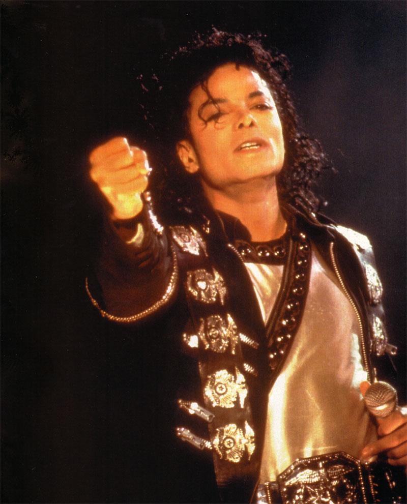 [SONDAGGIO] Qual è il Michael che vi piace di più? 39db10