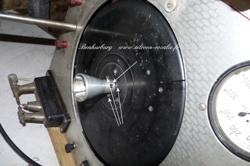 Banc Souriau 1263 ou 1264 : remplacement de la lampe par des leds. P1080411