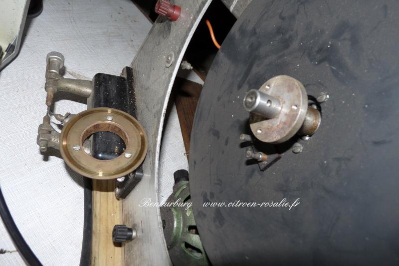 Banc Souriau 1263 ou 1264 : remplacement de la lampe par des leds. P1080413
