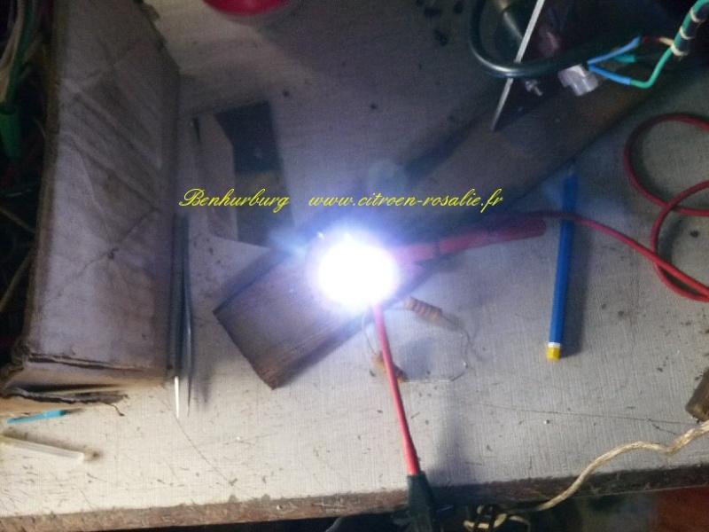 Banc Souriau 1263 ou 1264 : remplacement de la lampe par des leds. P1080419