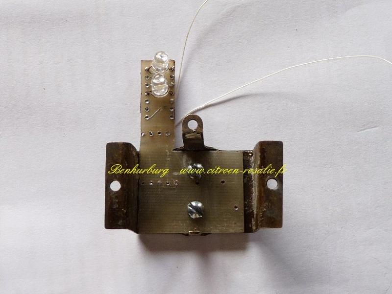 Banc Souriau 1263 ou 1264 : remplacement de la lampe par des leds. P1080421