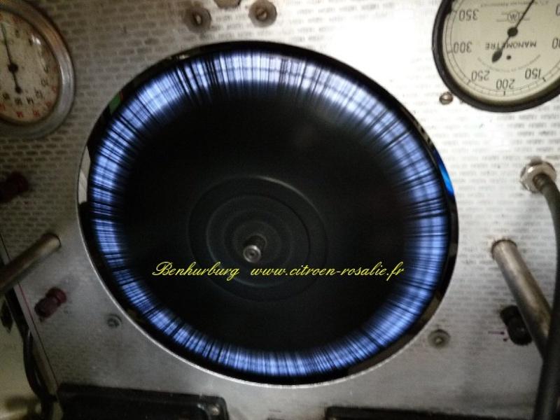 Banc Souriau 1263 ou 1264 : remplacement de la lampe par des leds. P1080424