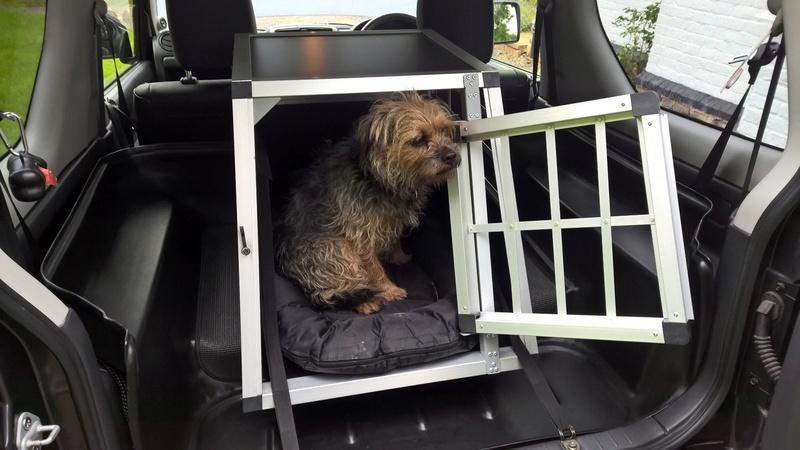 PROTECTIVE REAR SEAT COVER Jimny_11