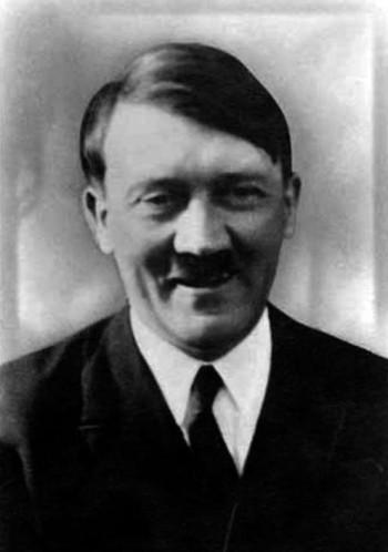 Publicités - Page 3 Adolf-10