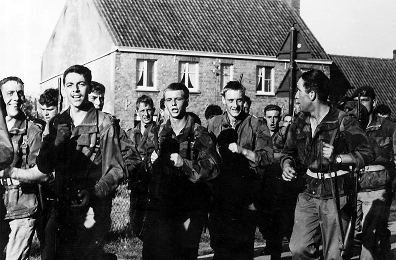 L'épopée des SAS Belges et de leur leader, le Cpt « BLUNT » BLONDEEL  - Page 2 Dyn00110