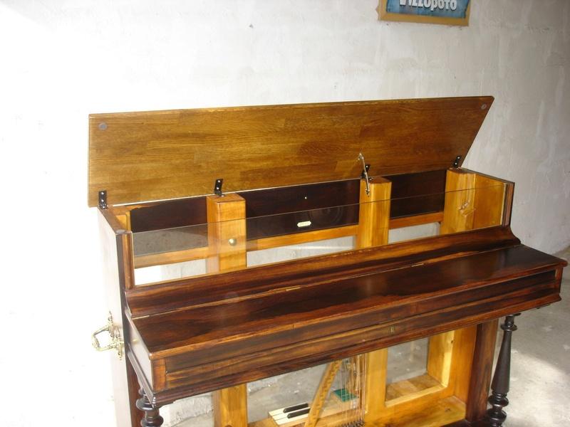 un piano bar.. Dsc00810