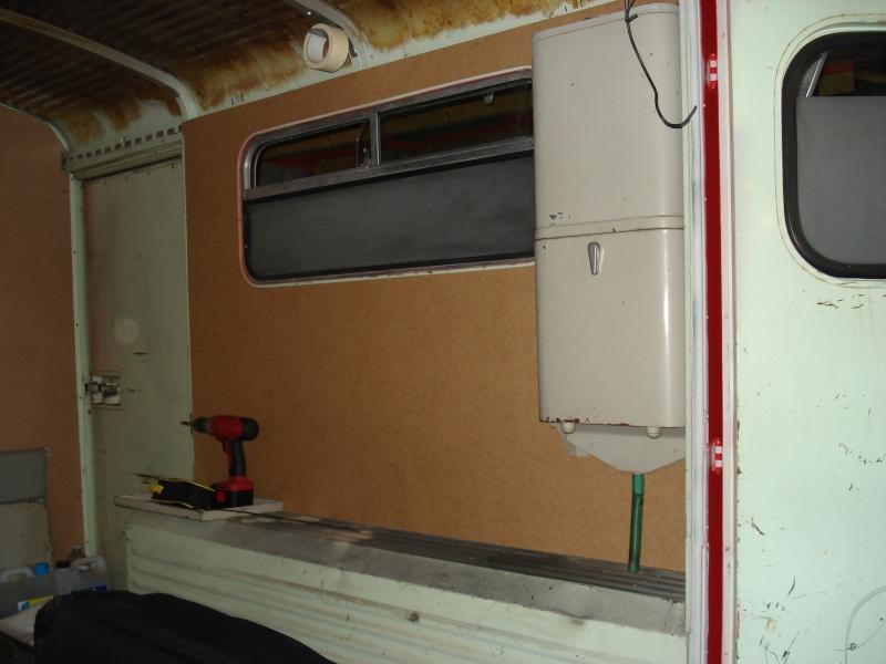"""Présentation & Restauration : HZ ambulance pompie rcarrosserie """"Drouville et Carrier"""" - Page 2 Dsc02127"""