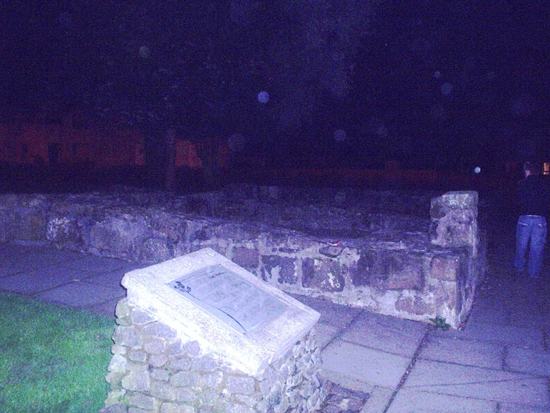 Orbs At the home of William Wallace Tshirt23