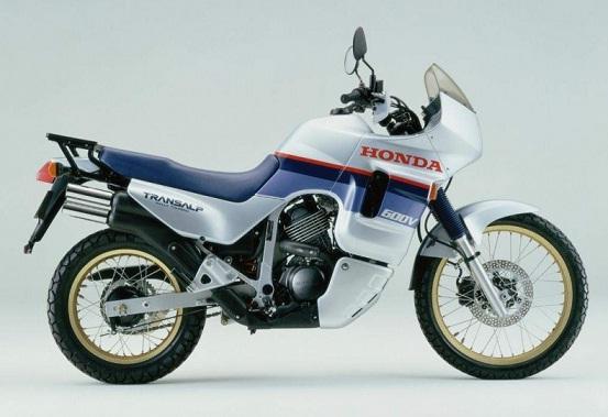 L'historique des moteurs en V Honda 600_tr10