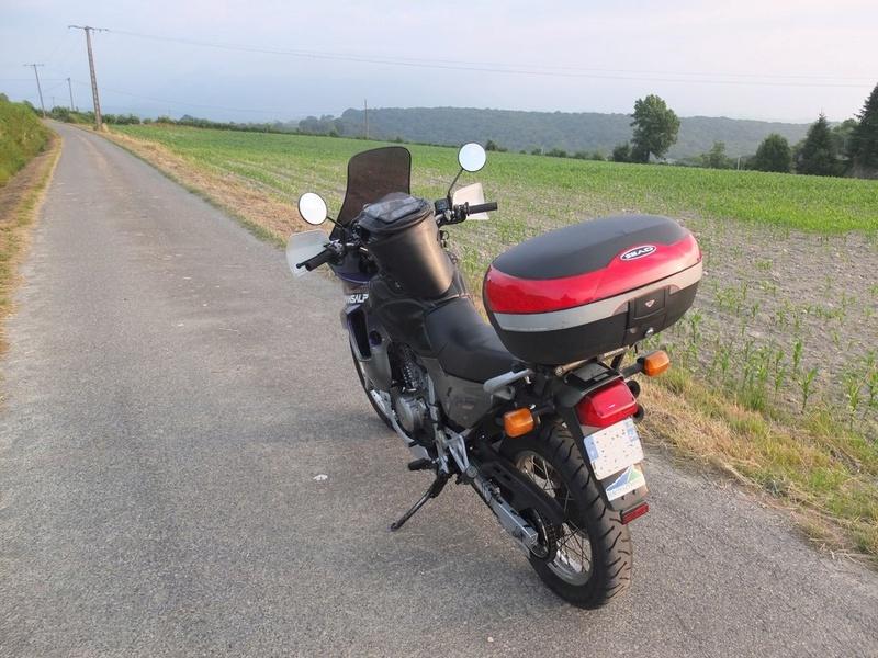 Le bonheur et la moto Petit_10