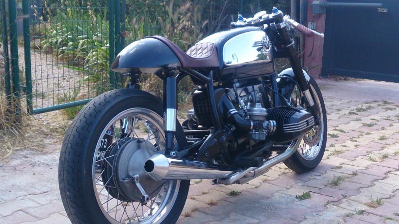 C'est ici qu'on met les bien molles....BMW Café Racer - Page 39 Dsc_2921