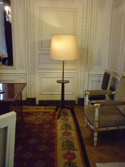 Un président chez le roi - De Gaulle à Trianon - Page 2 01710