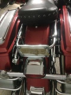 Enlever le tour pack sur un electra glide classic Img_7613