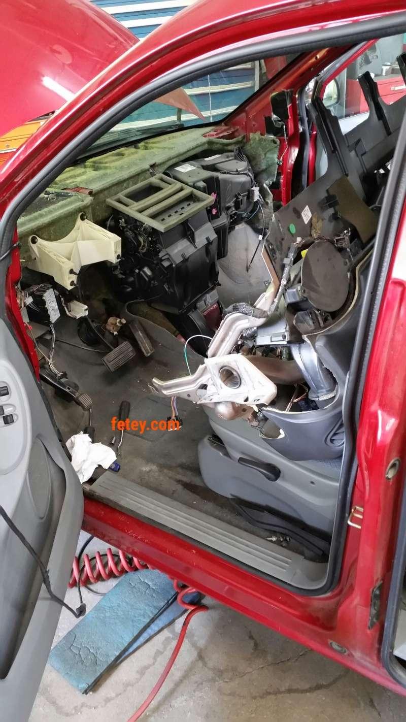 Caravan - Dodge Caravan 2007 3.3L, housing de trappes de ventilation. 2016-059