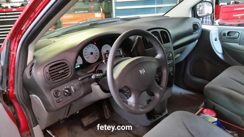 Caravan - Dodge Caravan 2007 3.3L, housing de trappes de ventilation. 2016-061