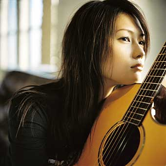 YUI - HOW CRAZY YOUR LOVE (Album) 02.11.2011 Yui10