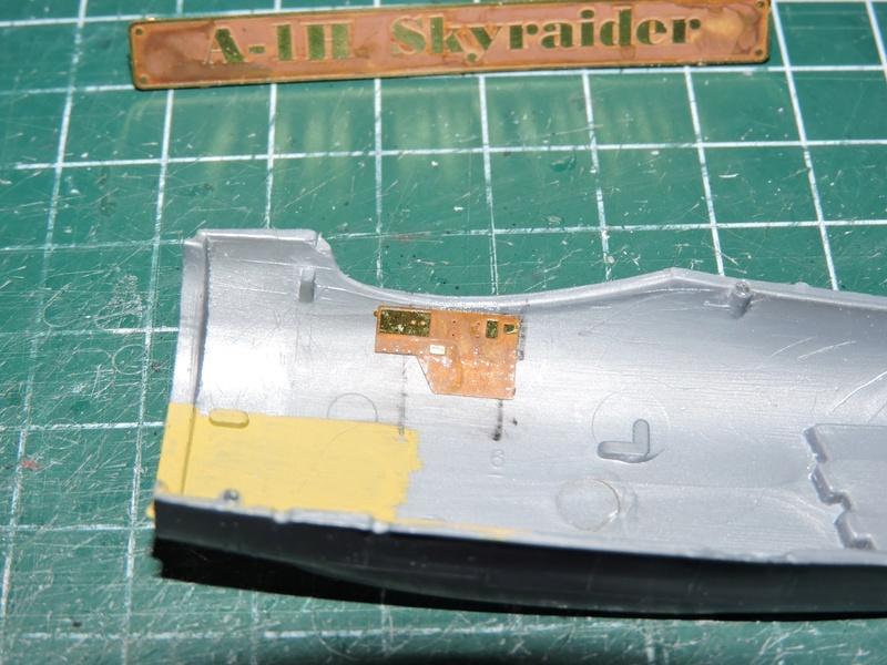 [heller] skyraider FINIT!!! - Page 2 Skyrai24