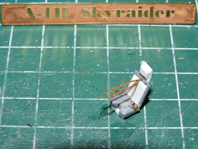 [heller] skyraider FINIT!!! - Page 2 Skyrai31