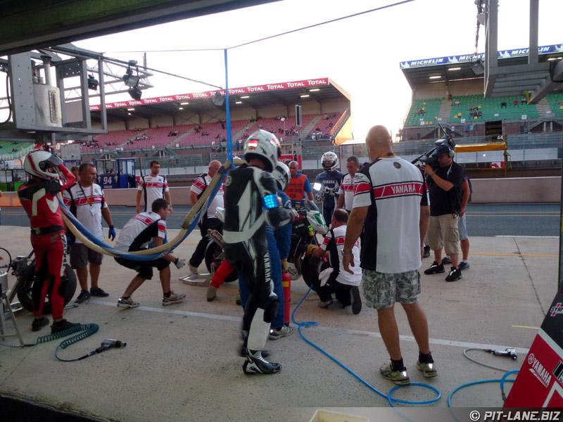 [Carnets de route] 24 Heures Moto 2012 P1050016