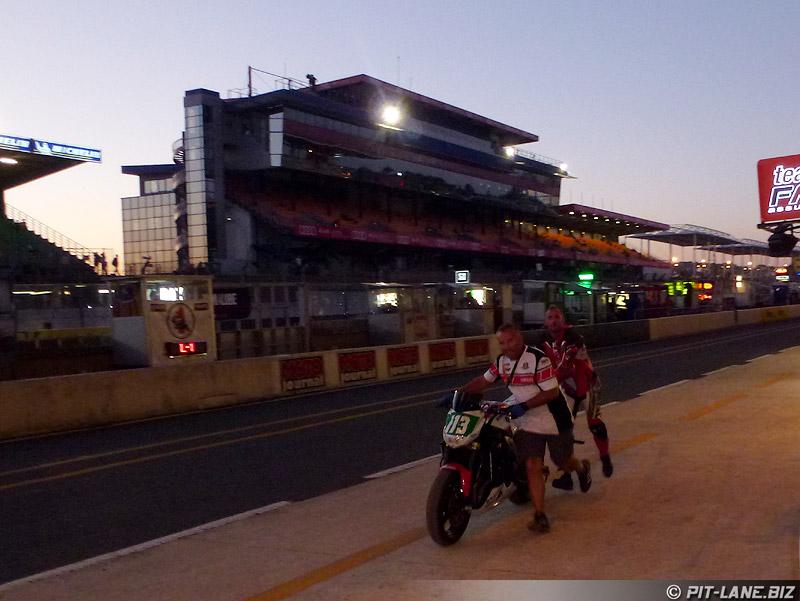 [Carnets de route] 24 Heures Moto 2012 P1050111