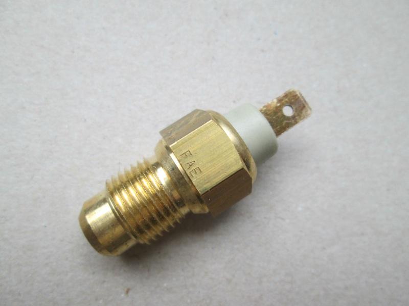 Sonde de température d'eau Renault sur CJ7 2.1L D et 2L Ess - Page 6 Sonde10