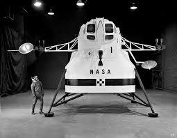 Lunar Excursion Module – Grumman – 1962 – 1/48éme par Tezio Images10