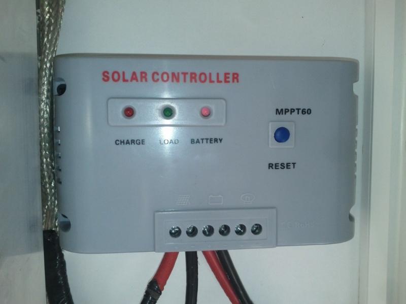 panneaux solaires , charge batteries et régulateur MPPT Mppt10