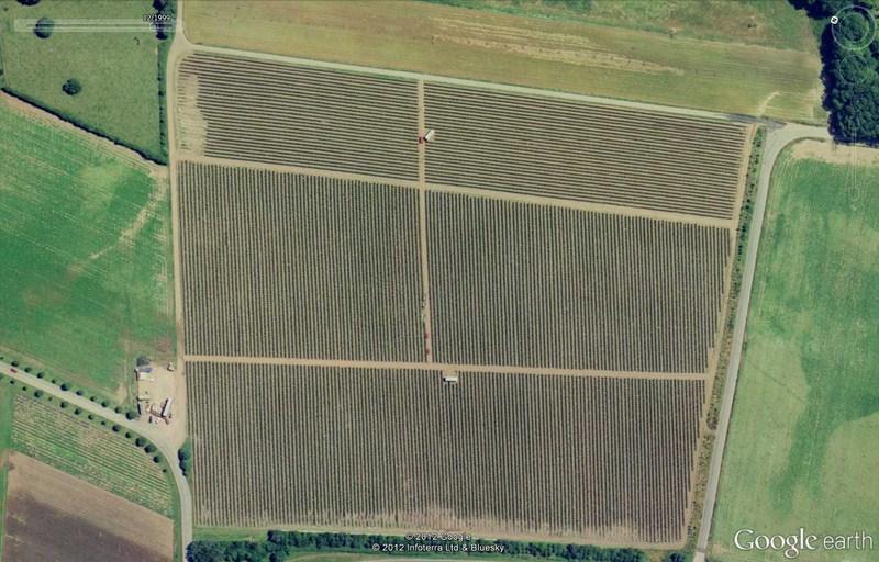 Les labyrinthes découverts dans Google Earth - Page 21 2012-177