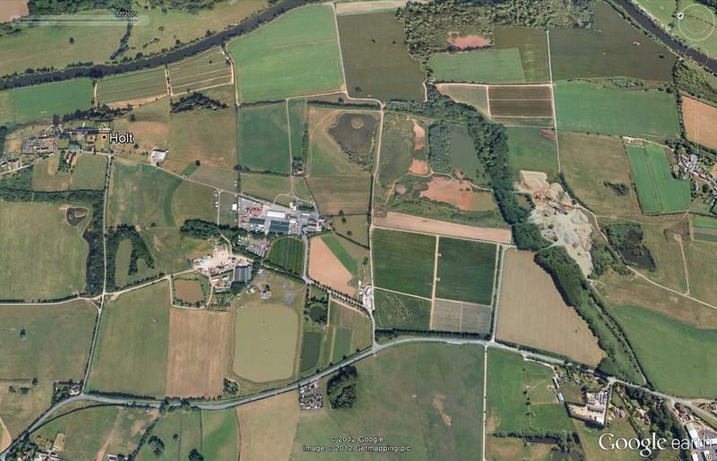 Les labyrinthes découverts dans Google Earth - Page 21 2012-180