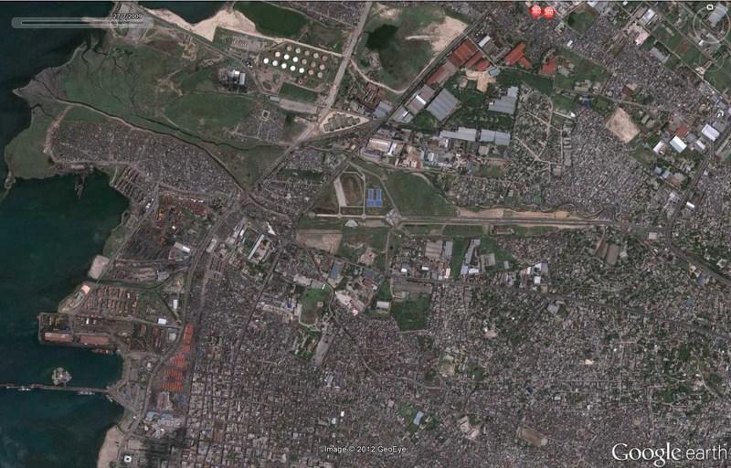 Cimetière d'avions à Port-au-Prince - Haïti 2012-181
