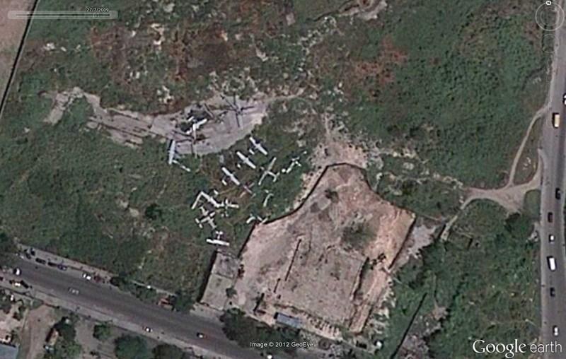 Cimetière d'avions à Port-au-Prince - Haïti 2012-182