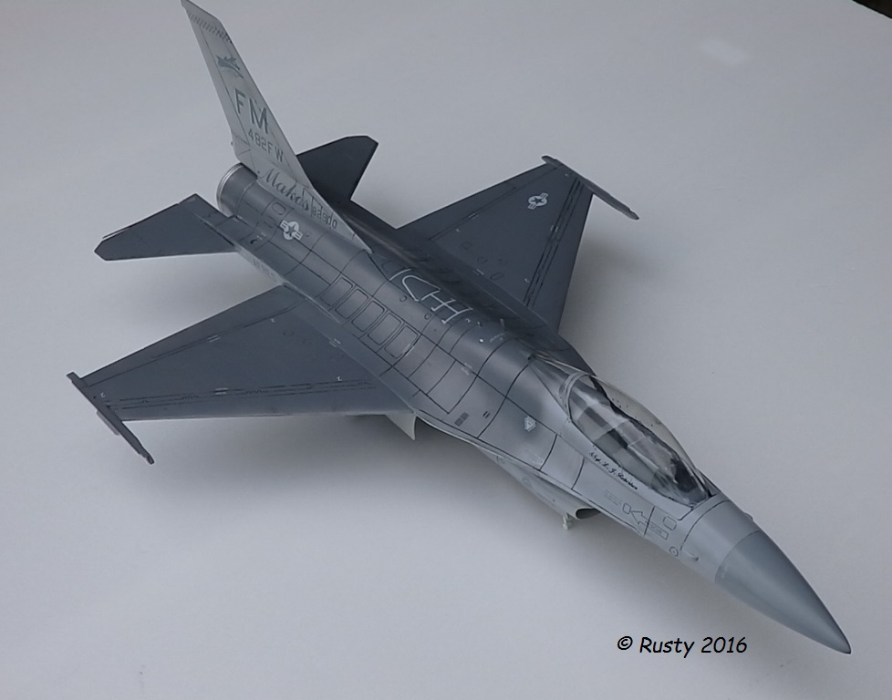 General Dynamics F-16A Fighting Falcon [REVELL 1/32] - Page 2 P6123210
