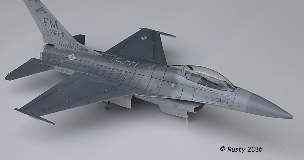 General Dynamics F-16A Fighting Falcon [REVELL 1/32] - Page 2 P6123212