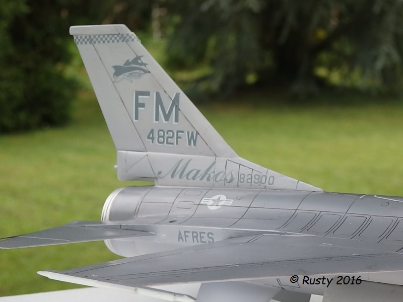 General Dynamics F-16A Fighting Falcon [REVELL 1/32] - Page 2 P6123214