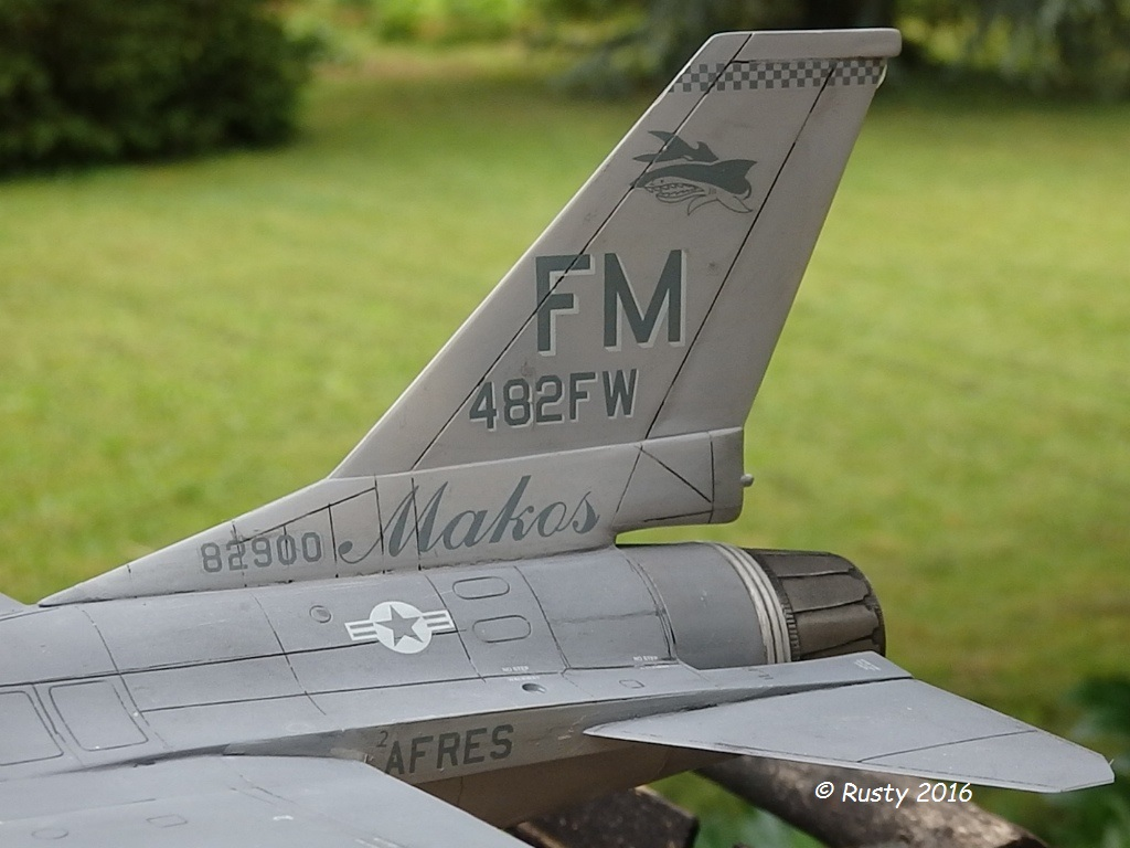 General Dynamics F-16A Fighting Falcon [REVELL 1/32] - Page 2 P6123218