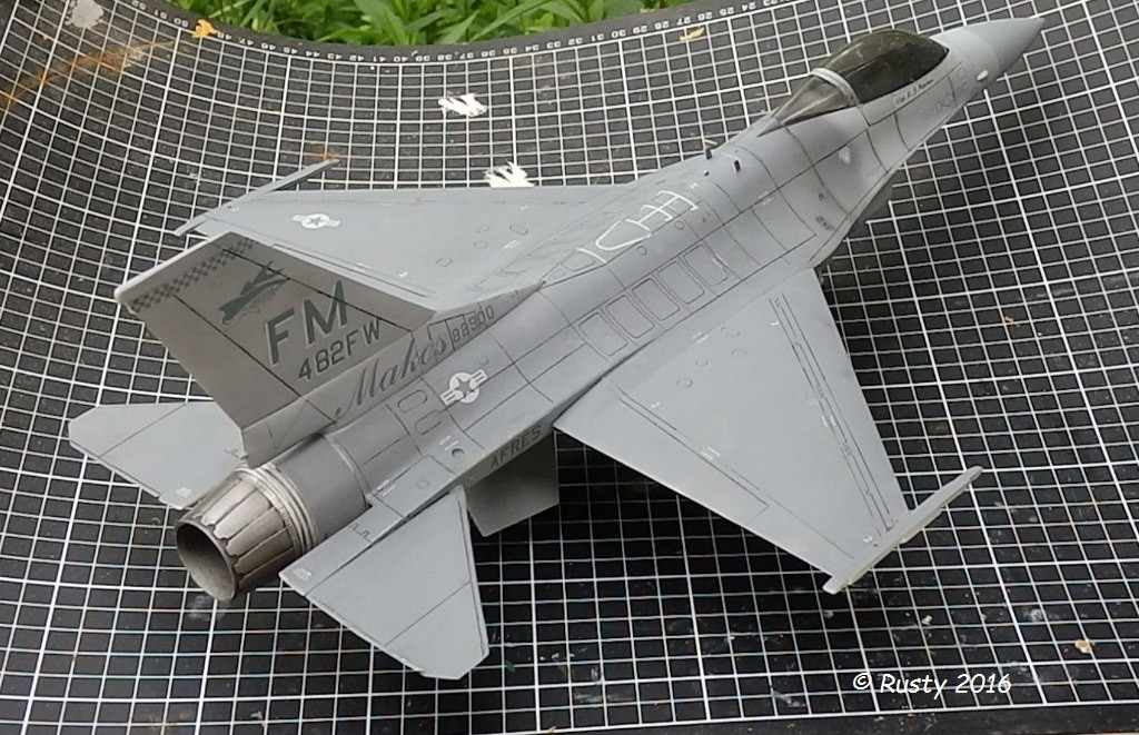 General Dynamics F-16A Fighting Falcon [REVELL 1/32] - Page 2 P6123219