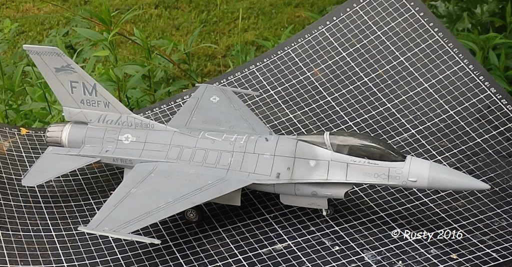 General Dynamics F-16A Fighting Falcon [REVELL 1/32] - Page 2 P6123220