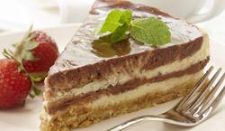 Gâteau au fromage marbré au chocolat et aux noisettes 91616310