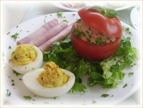 Une entrée/repas : Mille-feuilles de thon-tomates Pict0919